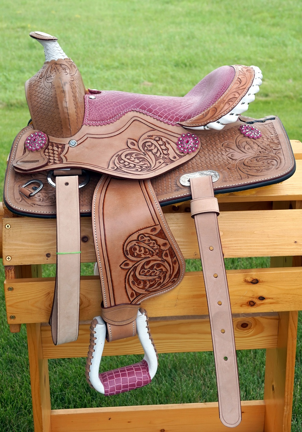 Youth Pony Leather Western Saddle With Pink Gator Print